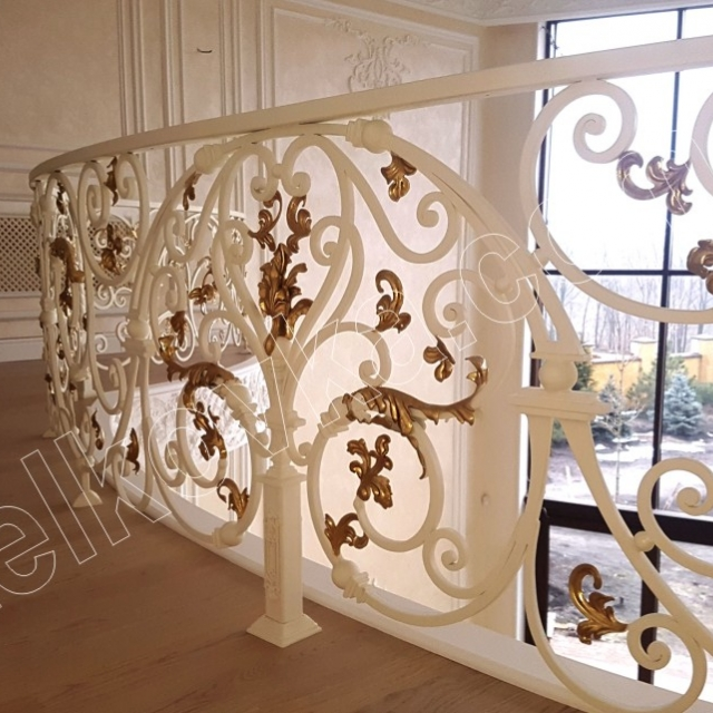 Кований балкон в інтер'єрі