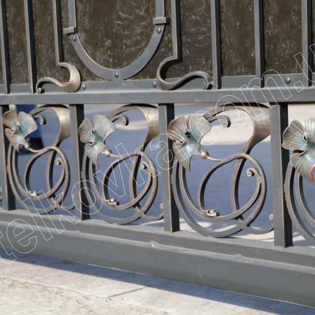 Ковані відкатні ворота