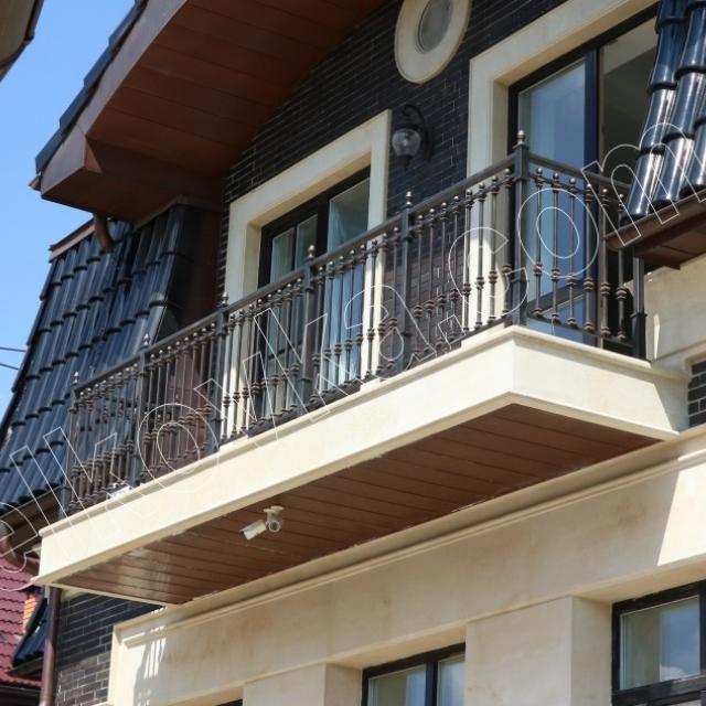 Балкон металевий з хорошим фарбуванням