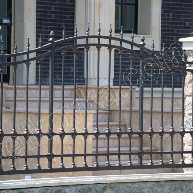 Прозорий кований паркан