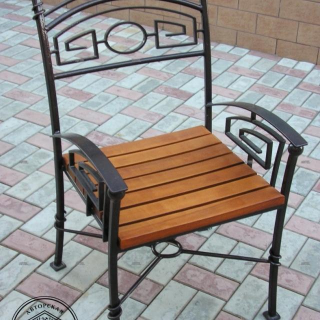 Кований стілець