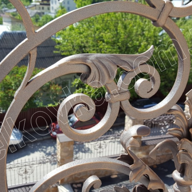 Кований балкон фрагмент