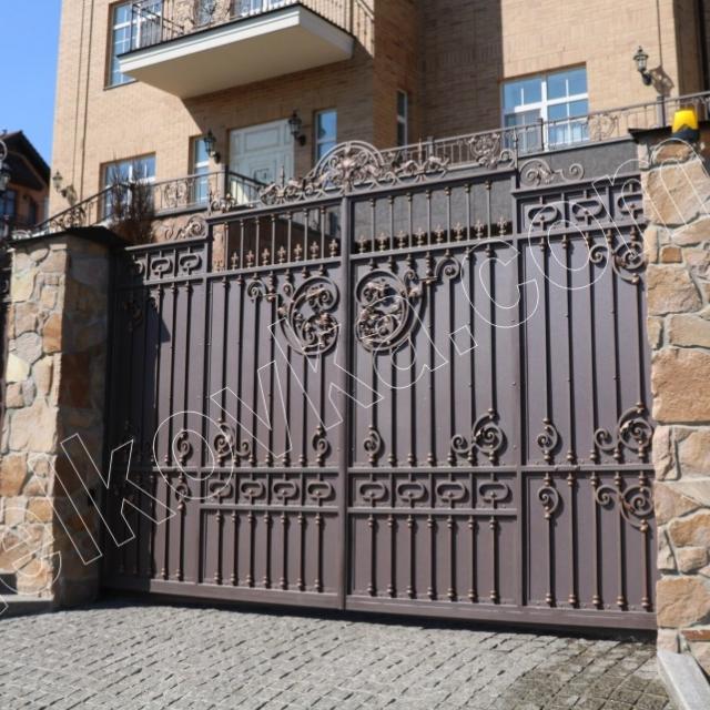 Орні ковані ворота
