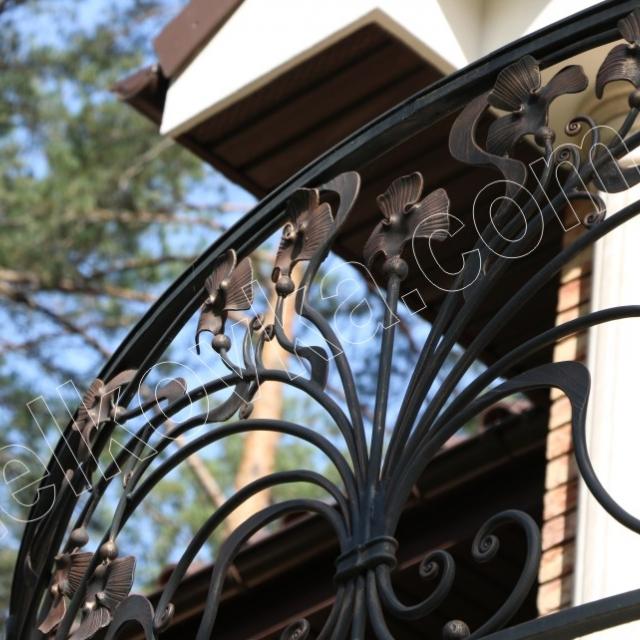 Легкий кований балкон