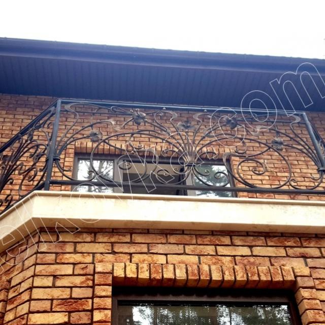 Легкий французький балкон