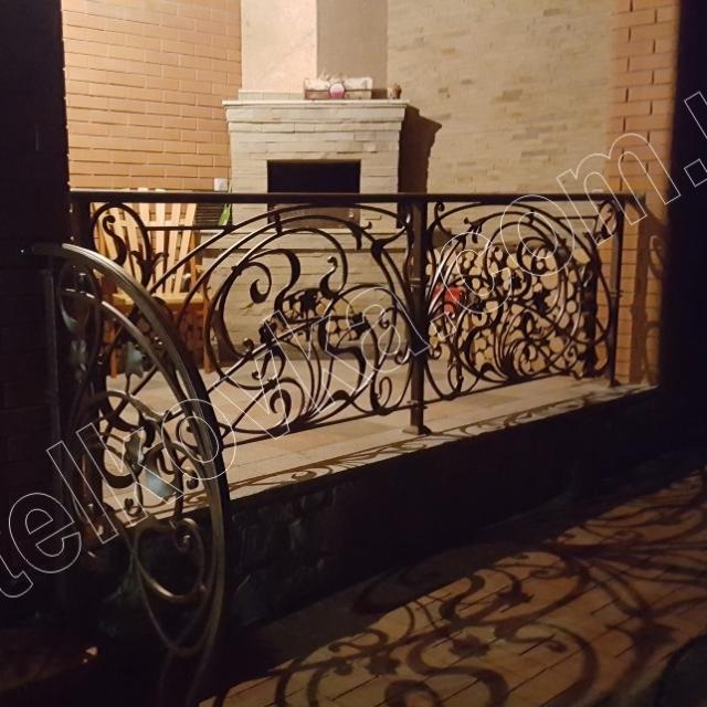 Ковані перила на терасі