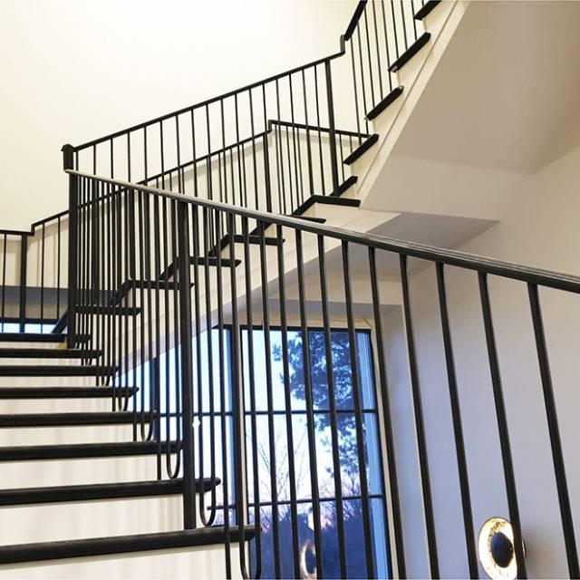 Сучасні легкі сходи